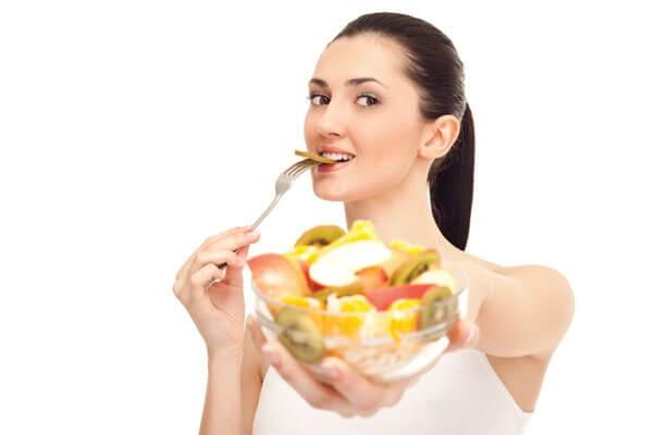 Giải mã giấc mơ thấy ăn trái cây & ý nghĩa?