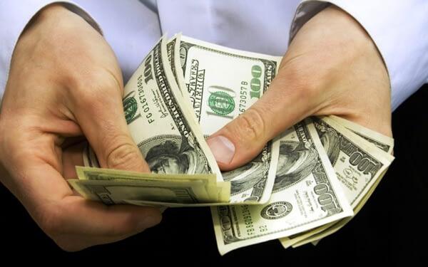 Cá cược trực tuyến: Nên chơi trả trước hay trả sau?