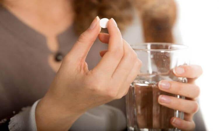 Mơ thấy uống thuốc báo hiệu điềm gì?