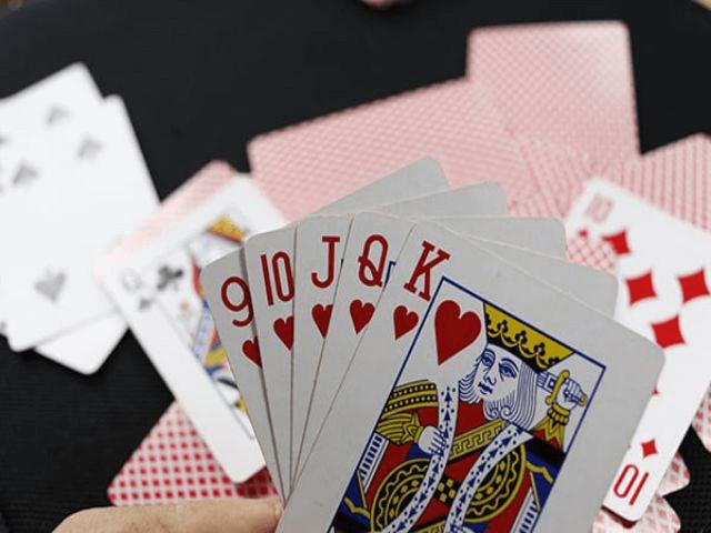 Sáng tỏ những bí ẩn đằng sau chiêm bao thấy đánh bài